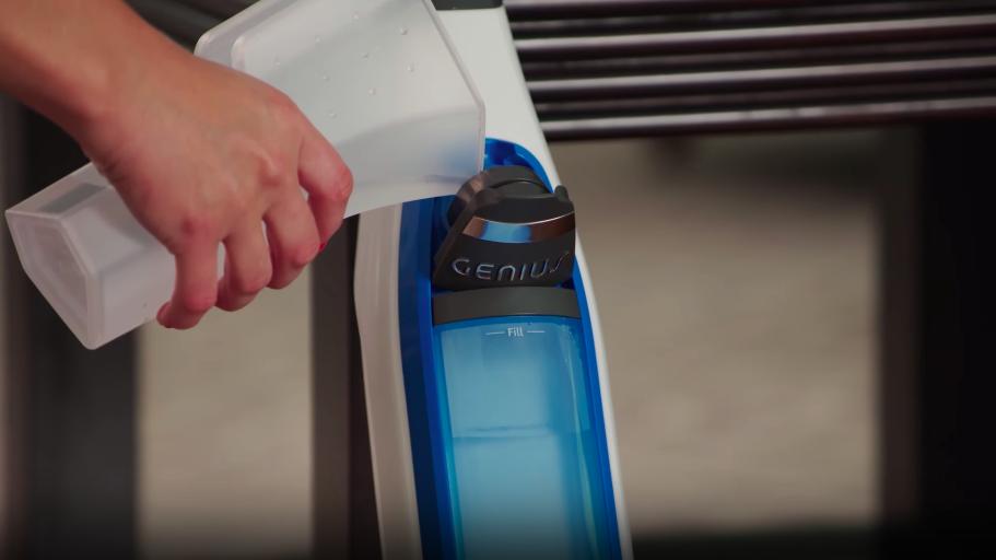 Water Tank Capacity - Shark Lift-Away vs Shark Genius